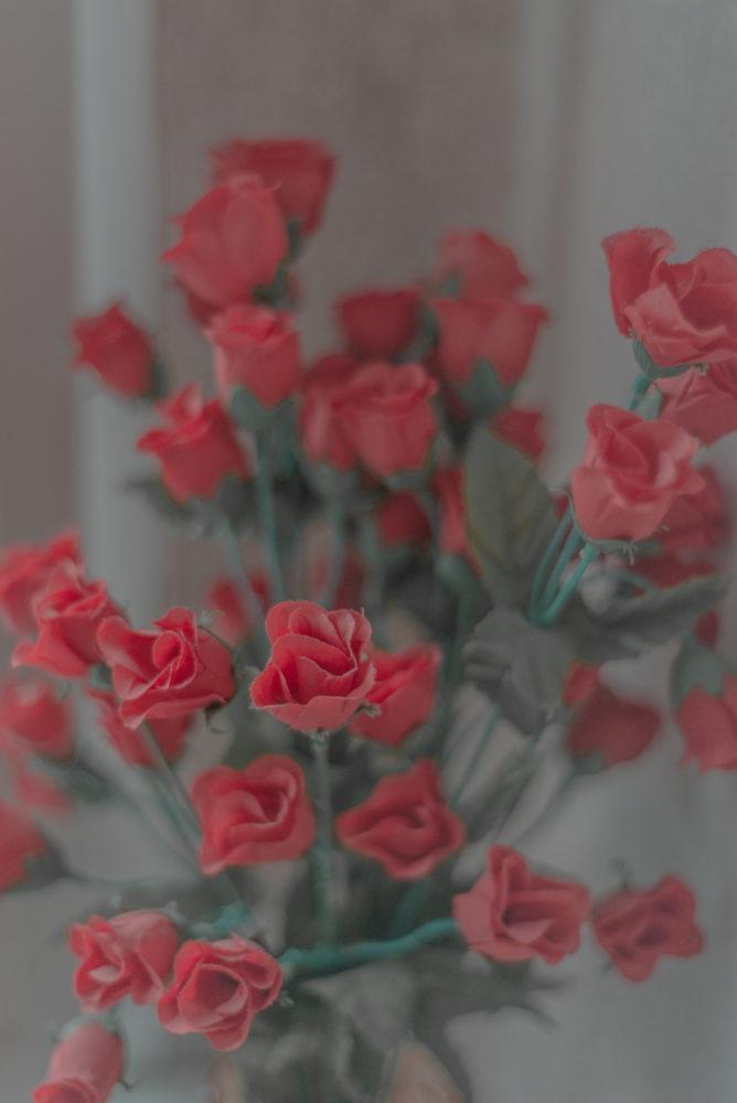 Hochzeitsdetails von einem Blumenstrauß als Makroaufnahme